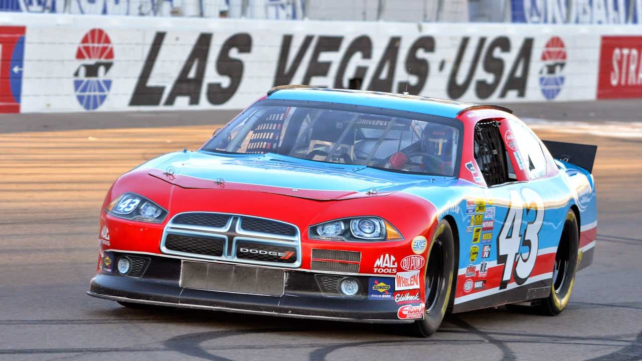 Richard petty driving experience discount tickets at Nascar experience las vegas motor speedway