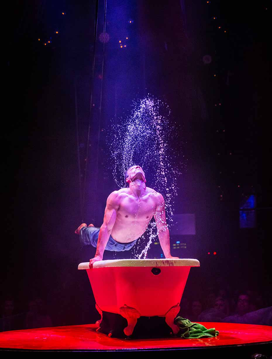 Absinthe Las Vegas Bathtub Boy 2