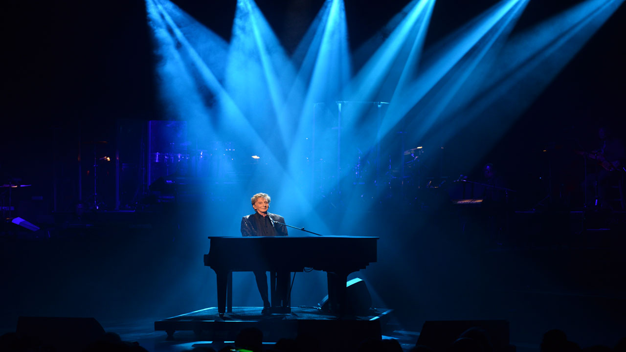 Barry Manilow Production Photo 2